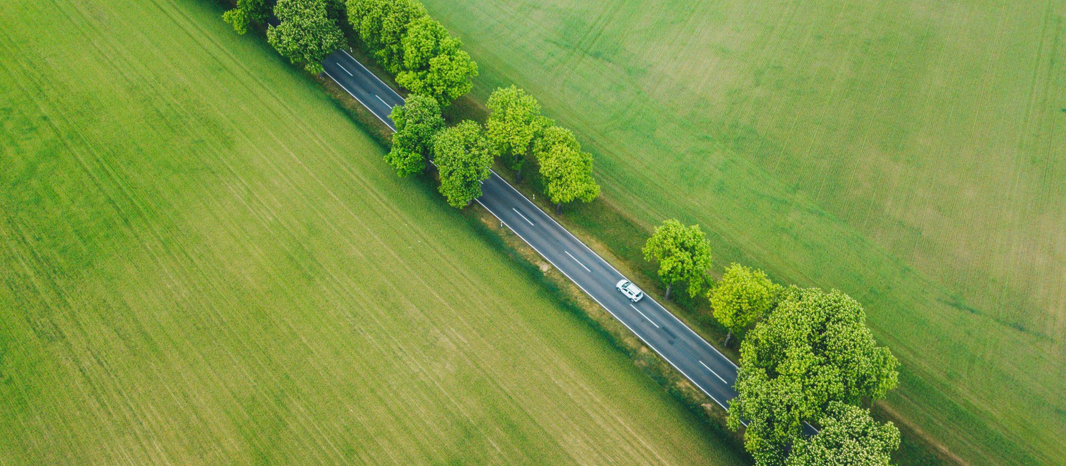 autostrom-e-mobilitaet-stromtarife-uezw-energie-3840x1730