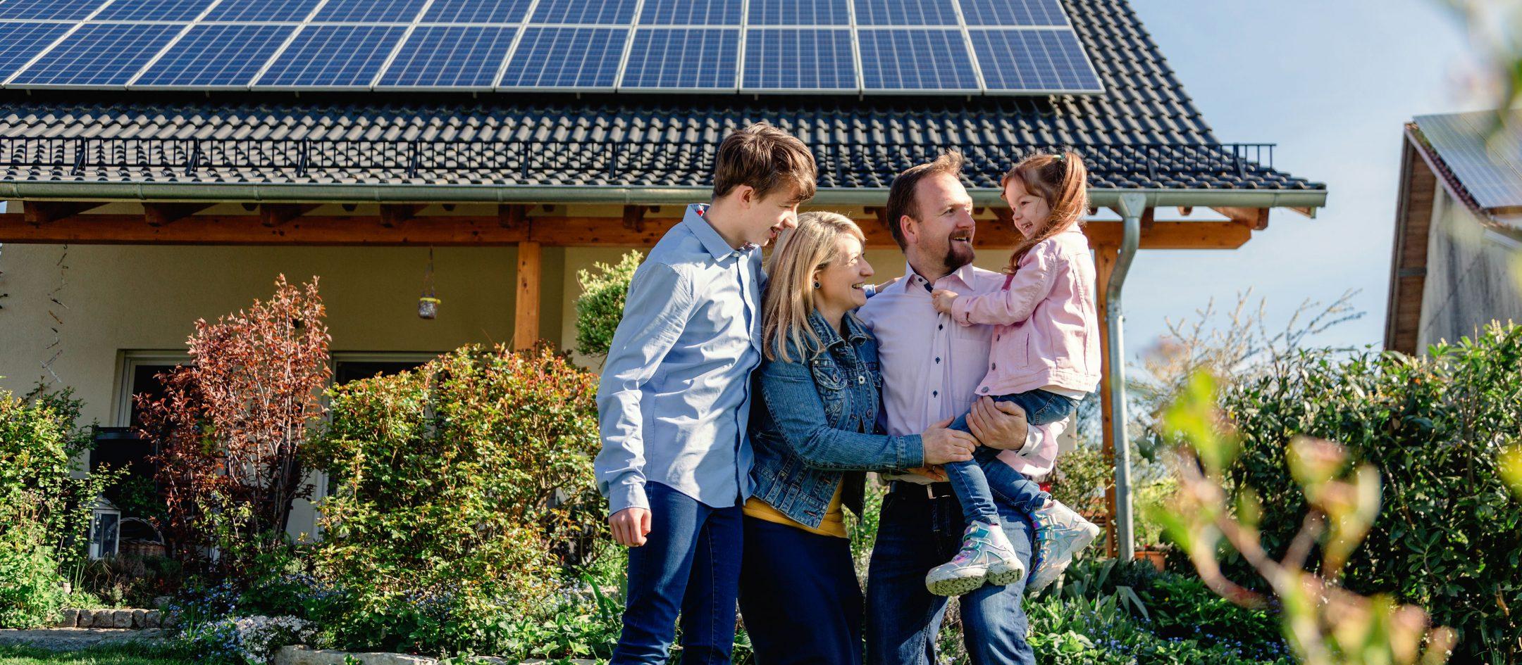 pv-anlage-photovoltaik-imagekampagne-uezw-energie-3840x1730